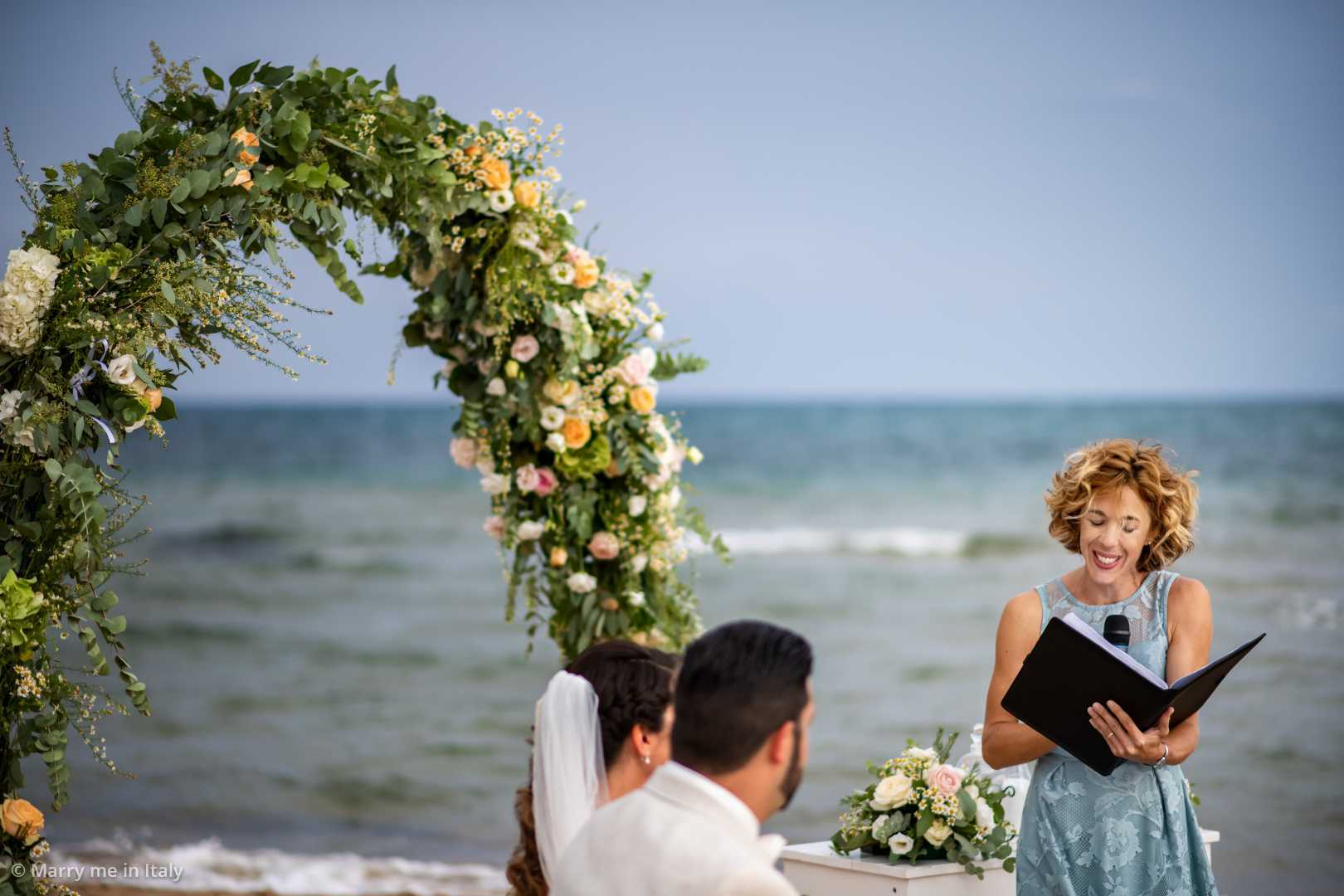 Intimate Elopement At The Beach Of Sicily By Kathi Chris